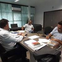 Leandro Cardoso solicita doação de lâmpadas da prefeitura de Barra do Garças
